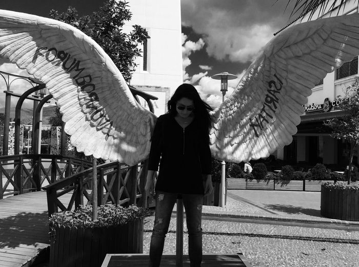 Angel Forum Bornova City Of Angel Wings Woman In Black Resist