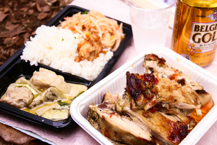 Asian Culture Beer Chicken Close-up Drinking Enjoying Life Ethnic Ethnic Food Festival Food And Drink Freshness Fried Chicken Ground Meal Meat Outdoors Party PLASTIC CONTAINER PLASTIC VESSEL Plate Ready-to-eat Sauce Stall Thai Food Vietnamese Food