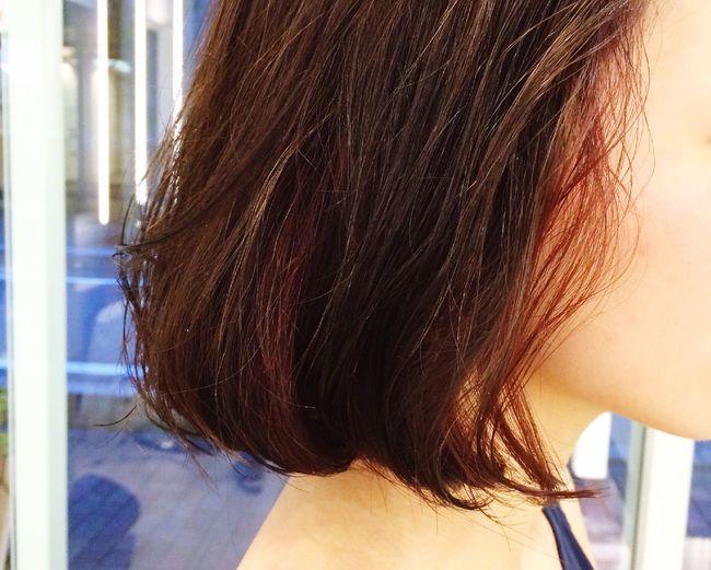 Hair Salon AANTIgREENアンティグリーン Hair さっきの写真の前日にしたカラー。カシス色のイヤリングカラーがかわいい♡夜パーティーがあるので!!とゆーことで、とにかくカラーだけしました♡
