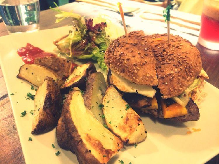 So far the best veggie burger in HK!;D Veggie Healthy Yummy :)
