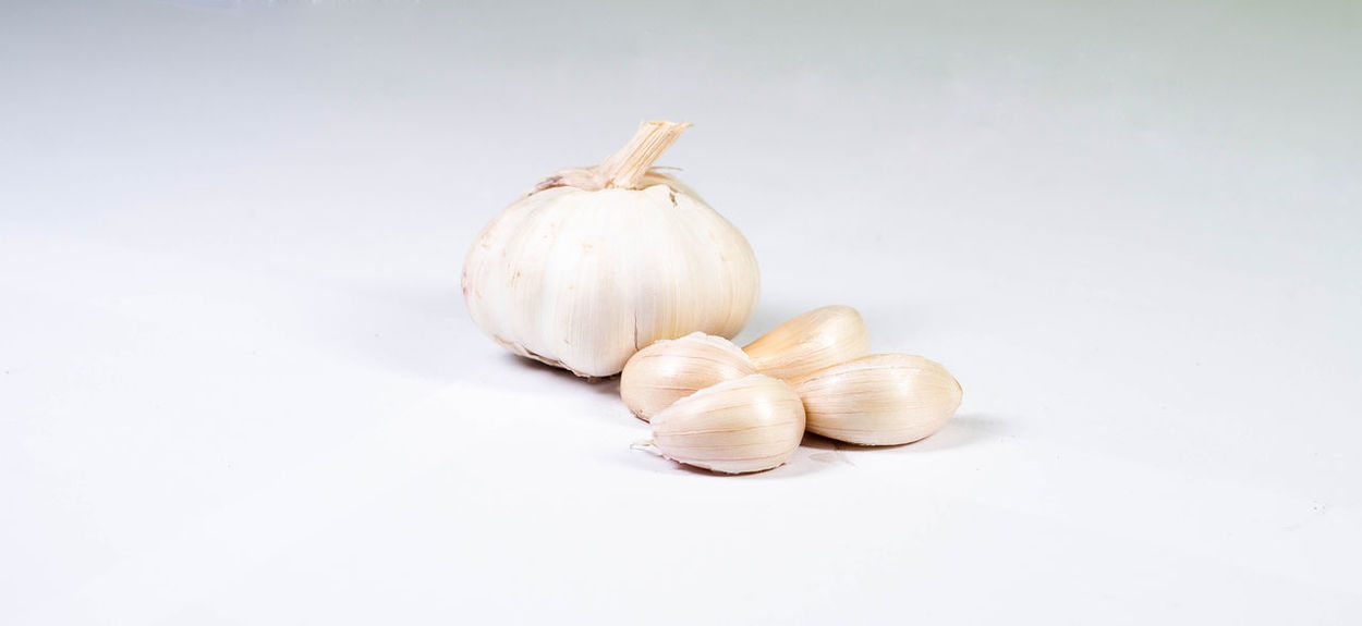 Close-up Food Food And Drink Freshness Garlic Garlic Bulb Garlic Clove Healthy Eating No People Studio Shot White Background