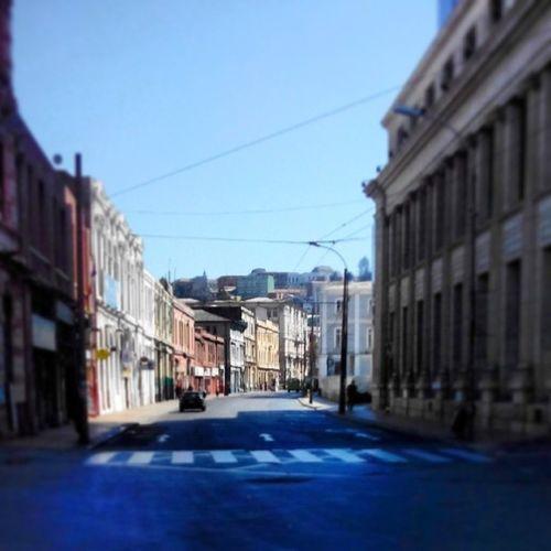 En una nueva versión de Santiagoapie está vez por ValparaisoAPie .. Calle Sotomayor