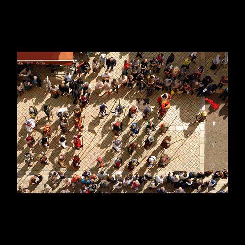 Fêtes médiévales à Amboise 1515 - 2015. Vu du haut, ces soldats ne sont pas plus dangereux que des PlayMobil Citylife Discover Your City EyeEm Best Shots Touraine Amboise EyeEm Masterclass Eyem Best Shots