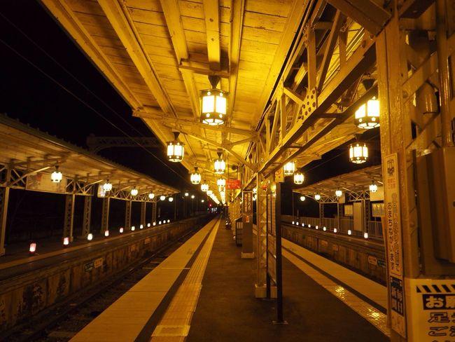 Kyoto Japan Arashiyama Hankyu Train Station Night Olympus PEN-F 京都 日本 嵐山 阪急 電車 駅 夜