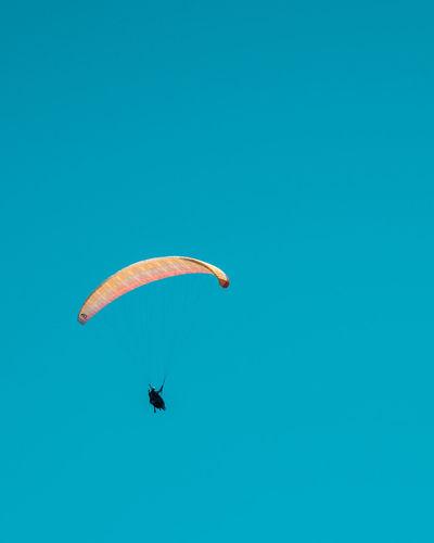 Paragliding in the skies of algarve
