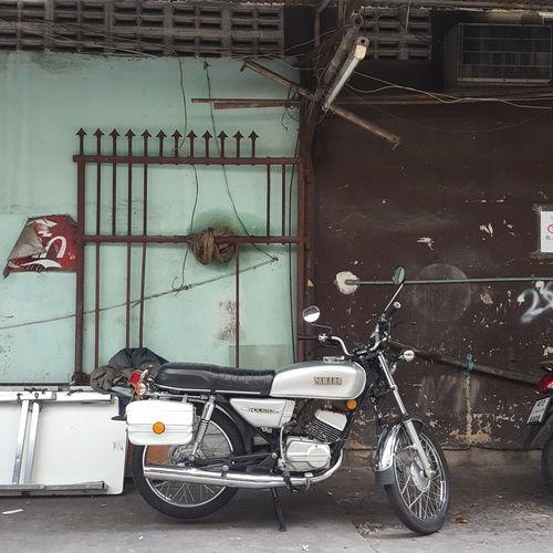 motorcycle !! Thailand🇹🇭 Bangkok Thailand. Motor Vehicle Motorcycle Yamaha Yamaha Rx100 City Stationary Architecture Built Structure