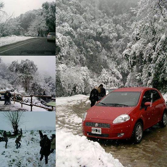 Disfrutando  de la tarde de Nieve en el Mes de Julio . Cerro San Javier  . Yerbabuena Tucumán