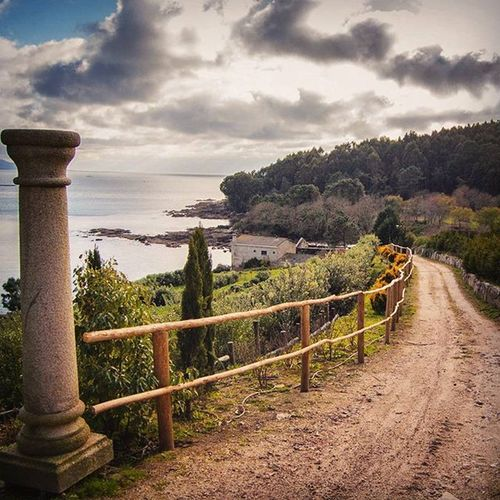 Road to Olympus☁⚡⛅ Nikonphotography Photography Shot Temperansbeach Riasbaixas Galifornia Galiciaisdiferent Nikon Paths Landscape Places Igersspain Sky Earthplaces Westcoastspain Cloudsovergalifornia Photography Clouds
