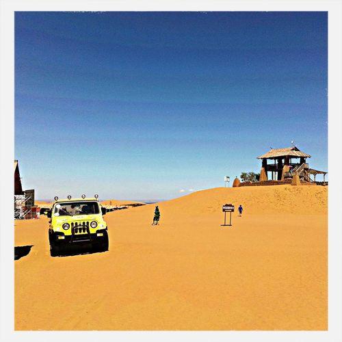 迷人的腾格里沙漠