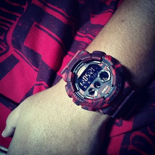 Seeing red today!! Salam Jumaat to all!! Gshock Gd120cm Red Camo