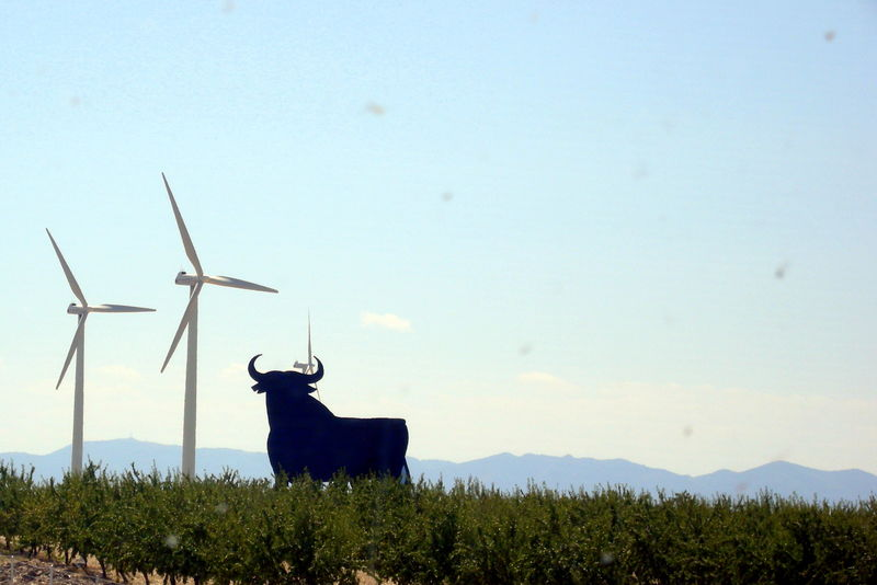 Let' push for the energy transition!! Alternative Energy Bull Countryside Energy Transition Environmental Conservation Eolicenergy Non-urban Scene On The Road Spain ✈️🇪🇸 Tranquil Scene Wind Turbine Scenics Remote Bull - Animal Industrial Windmill Turbine Traditional Windmill Renewable Energy Taurus Tranquility Idyllic