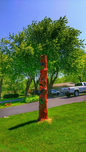 https://youtu.be/kXazF-MXiN8 The Strangest Places Totem Pole Front Yard Stand Out From The Crowd Sunlight And Shadow Treelovers Eye Am Nature Dead Faces Musical Photos