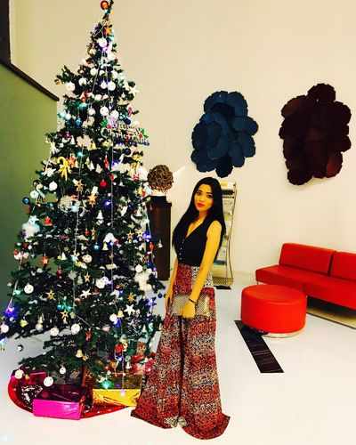 Christmas Christmas Tree Celebration Christmas Decoration Holiday - Event Full Length Long Hair Elégance Freshness Glamour Lipstick Lifestyles Fashion Model Fashion Posing Red Lipstick White Background Standing Make-up Flower Women Real People Looking At Camera Tanya Singh