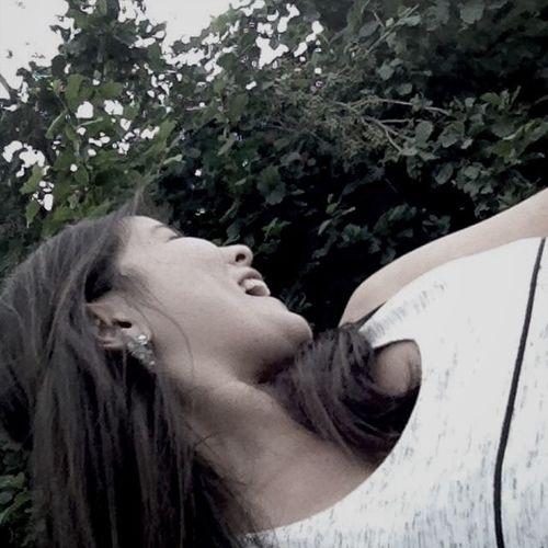 Je ne vie que de rire , de fou rire et de sourire