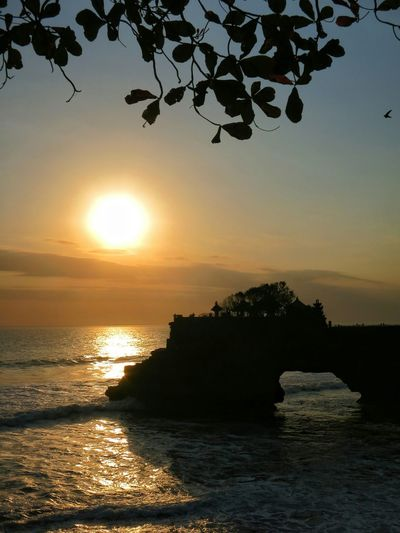 Tanah Lot, Bali INDONESIA Bali, Indonesia Sunset Sea Beach Water Travel Destinations Nature Sunsets Sunsets_captures Sunsetsaroundtheworld Sunsetlover Sunsetporn Tanah Lot Bali, Indonesia