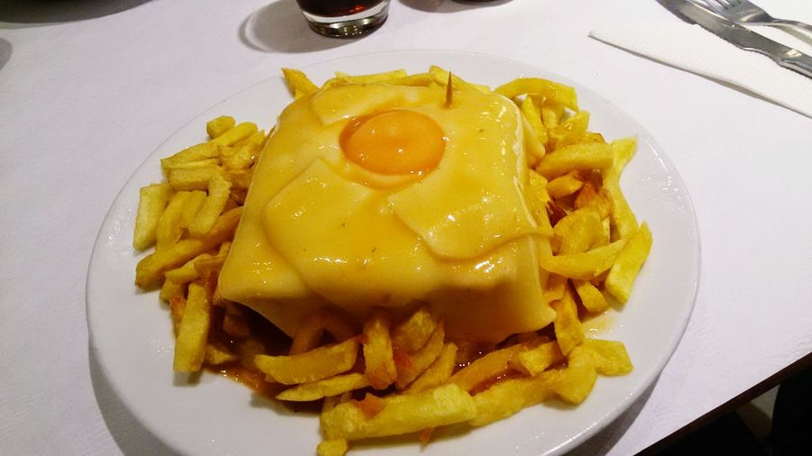Francesinha Francesinha Cafesantiago Eating Food Food Photography Porto Portugese Food Foodporn Francesinhanabaixa Portugal