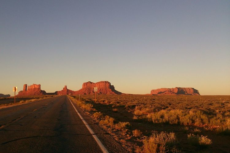 Arizona Monument Valley Sunrise The View and one endless Road . 4am in the Morning . Amazing View ! it was Totally Worth It ! Trip USA The KIOMI Collection The KIOMI Colllection