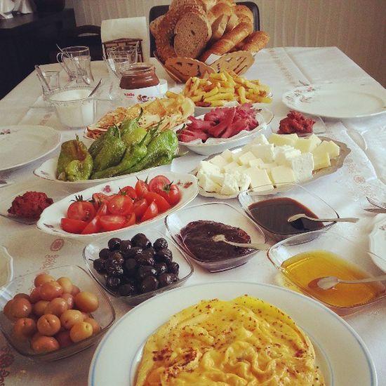 Ve final kahvalti hazirrrr ;)) Instalike Instafood Breakfast Keyf pazar lezzet ve yemekkkk