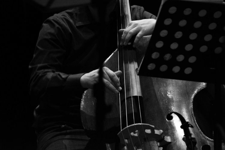 One Person Indoors  Adults Only One Man Only Musical Instrument EyeEm Best Shots EyeEm Gallery Nikon D7100 EyeEmBestPics Black And White Photography Black&white Black And White Collection  Musicians Music Photography  TakeoverMusic