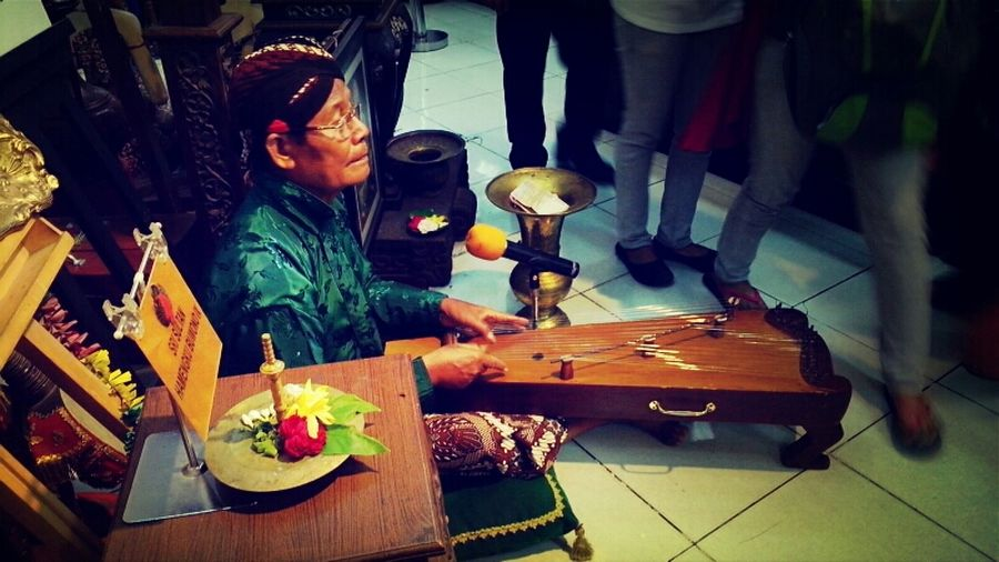 more of javanese harp player