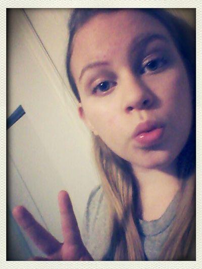 hey ya'll text me I'm bored♥♥♥:D That's Me