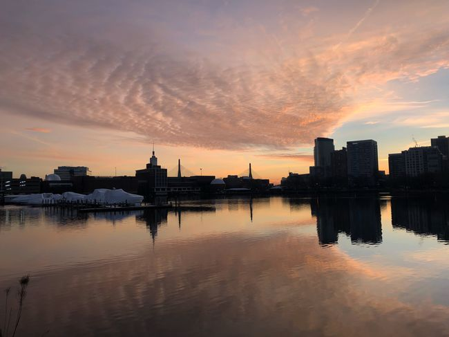 MobileSky Sunrise Architecture Built Structure Building Exterior Water Reflection Sky City Waterfront No People Outdoors Cloud - Sky Silhouette Cityscape Beauty In Nature Nature Day