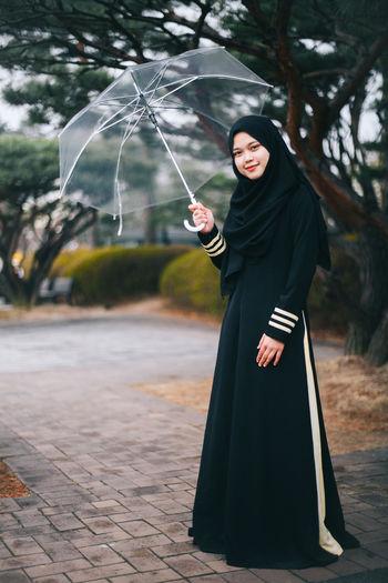 hijab girl Beauty Girl Hanging Out Hijab Hijabfashion Hijabstyle  Korea Korea Photos Photography Portrait Of A Woman VSCO Vscocam Walking Around Winter Woman Woman Portrait Women Who Inspire You