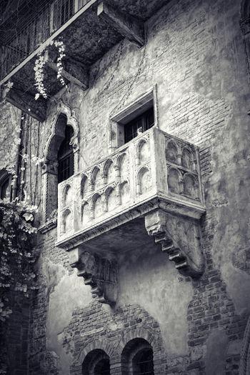 House Of Juliet, Balcony Of Juliet Balcony Of Romeo And Juliet Giulietta Julia  Juliet  Love Lovestory Romantic Romeo Romeo And Juliet Shakespeare Verona Verona Italy Verona, Italy