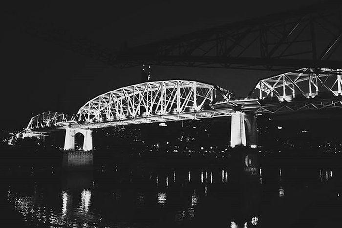Late nights filled with contemplation Brandondphotography Nashville Downtown Urban Olympusomd Mirrorless Musiccity Nashvillephotographers Nashvilleexplorersclub Blackandwhite Vscocam Nashviletn Photography Nashviletn