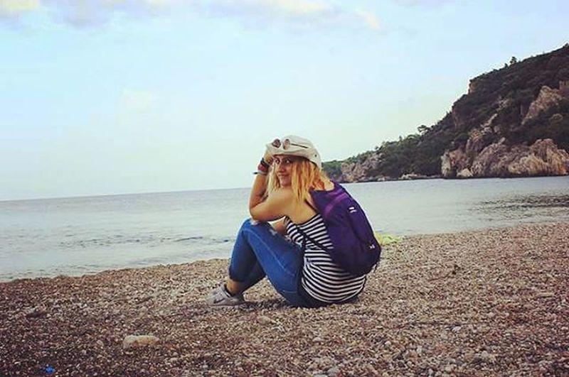 Bir deniz kenarinda oturup bir sonraki gidecegim yerin planini yapmak..iste bu siradan bir eylem degil dostlar 😊😊👊