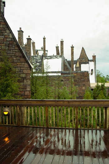 After The Rain Harry Potter Hogsmeade Orlando Florida Rooftop Universal Studios  Wizard Wizard World Wizarding World Of Harry Potter Amusement Park Architecture Building Exterior Family Time Outdoors Rooftops