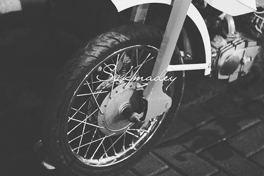Motor Motortua Ban Roda Oldtown Good Antique Unique VSCO Vscocam Vscogood Instagram Instagood Instadaily Instadaily Instamood Good Vintage Nikon Skmdyn Good Photooftheday Photography Classic classy old