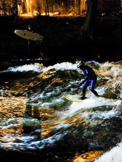 43 Golden Moments Isar Surfing Enjoying Life Streetphotography Big City Lights München Munich Surfing