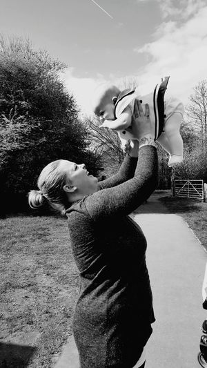 Taken photos of my cousin and her beautiful baby girl! Beauty In Nature Motherlylove Love♥ Beautifulbabygirl