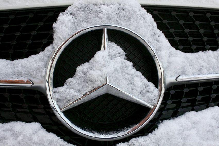 Motor Vehicle Best EyeEm Shot Mercedes Bestoftheday No People Metal Day Window Geometric Shape Motor Vehicle Circle Street
