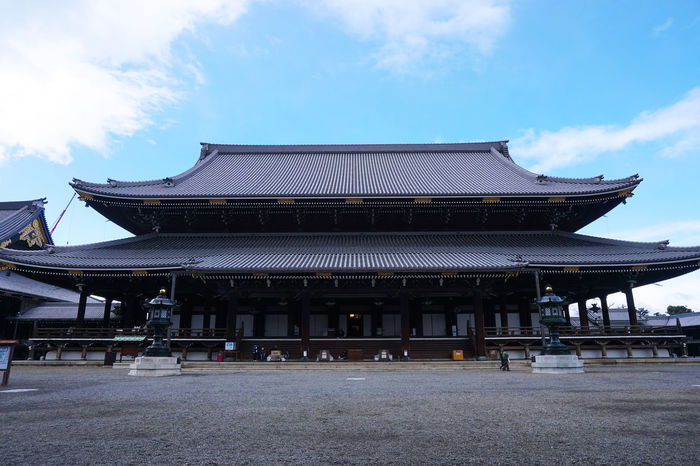 2016 Architecture Building Exterior Built Structure Day Higashihonganji Japan Japanese Culture Kyoto Place Of Worship Religion Roof Sky Temple 京都 東本願寺 浄土真宗