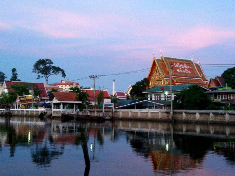 Wat Kaitia, Walking Around Enjoying The Veiw  Hanging Out Taking Photos.