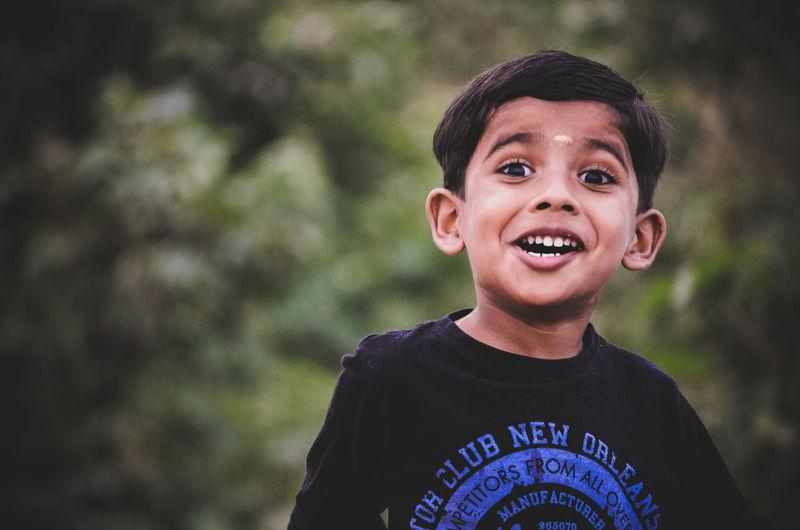 Smiley Kid Kidsphotography Kids Being Kids Kids Playing Kid Smile Smile❤ EyeEm Selects Kids Portrait Kidsmood One Person Portrait People Headshot Looking At Camera Outdoors EyeEmNewHere