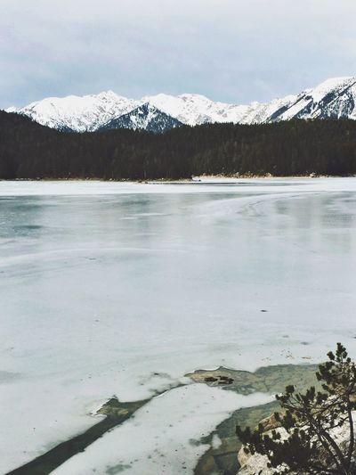 More ice than snow. EyeEm Nature Lover IPhoneography EyeEm Best Shots - Nature Winter Snow Bavarian Alps Winter Wonderland Bavaria Eibsee Naturelovers