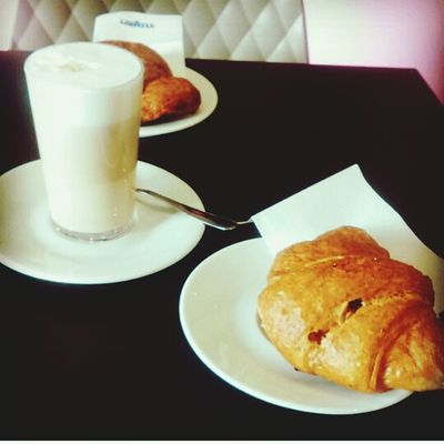 Good Morning! Italian Breakfast Cornetti Cappuccino ♥ Hi!