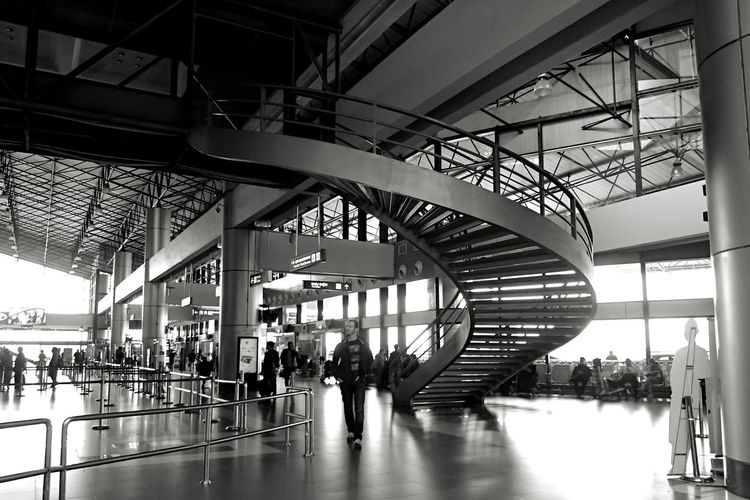 Black And White Monochromatic Black & White Black Background Monochrome Photography Vietnamphotography Airport Staircase Victorynguyen