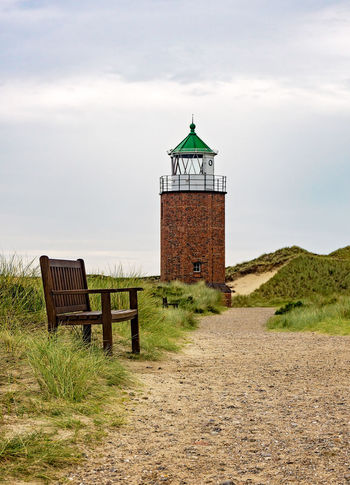 Quermarkenfeuer Rotes Kliff Quermarkenfeuer Rotes Kliff Lighthouse Lighthouse Lovers Sylt Sylt, Germany Built Structure Architecture Building Exterior Direction Cloud - Sky Tower No People Guidance Protection The Way Forward Safety Outdoors Bench Bench Seat Sitzbank Building