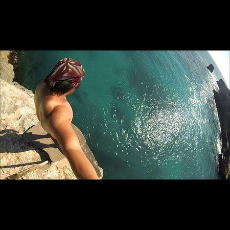 CliffJumping Sea Bali Island nusaceningan val 2015 holiday vacation gopro goprohero3plus goproblackedition goproeverything goprooftheday gopro4life gopro_moment PhotoGrid 😎 🌊 Location : Cliff Jumping, Blue Lagoon, Nusa Ceningan, Bali Flying High Go Higher