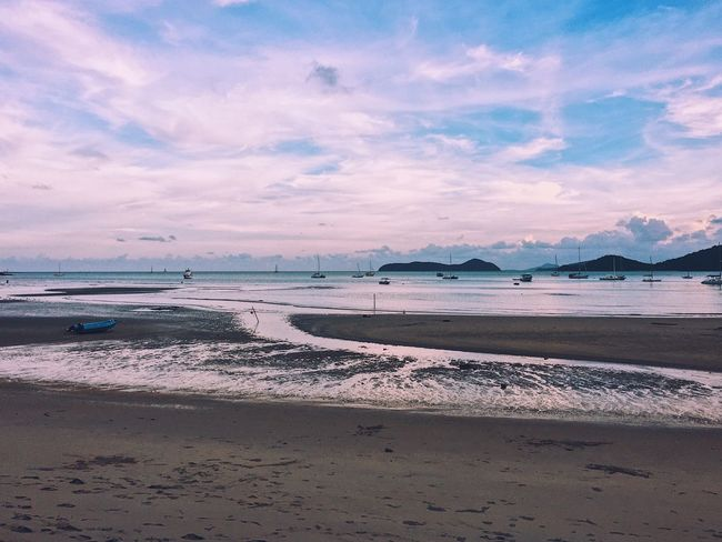 Beach Sand Sea Water Shore Scenics Sky Beauty In Nature Nature Tranquil Scene Tranquility Horizon Over Water Cloud - Sky Evening Evening Sky Evening Light Evening Sun Evening Glow Beach Photography Beach Life Beachlife Outdoors No People Day Wave
