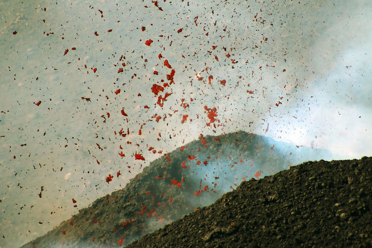 vicinissimo..... Danger Natural Pattern Etna Lava Vulcano eruzione Geology EyeEm Gallery EyeEm Best Shots 14 The Photojournalist - 2016 EyeEm Awards