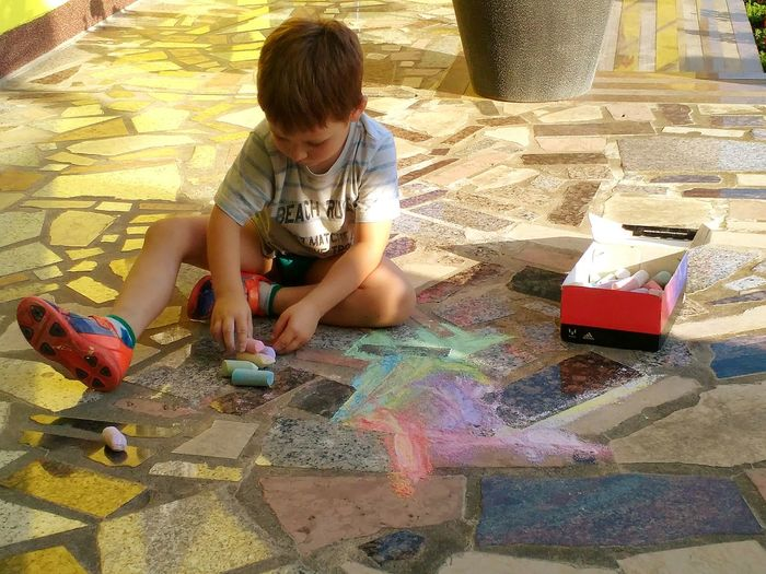 playing with Crayons Son Sunset Afternoon Kids Being Kids Kidsphotography Family Love First Eyeem Photo