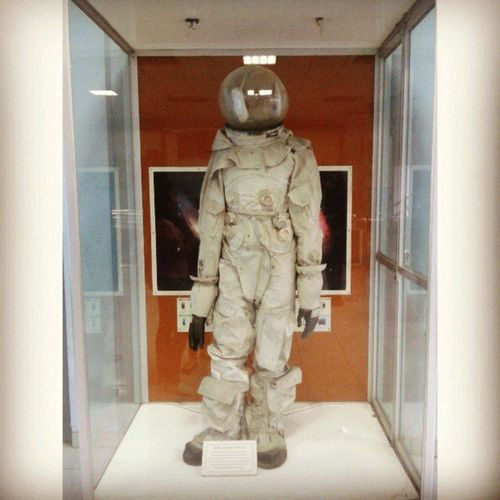 This astronaut outfit is so damn sexy...
