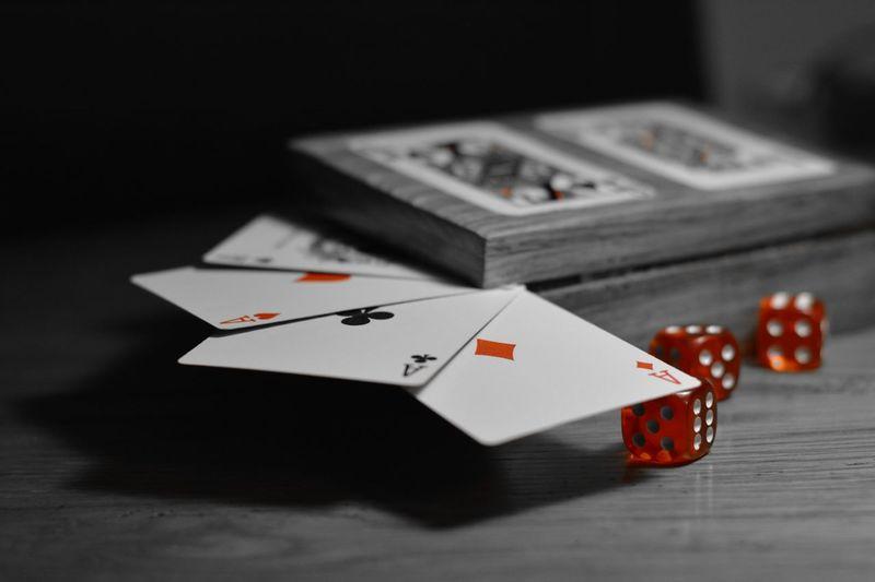 CARDS 🃏 Cards Cartes Jeux Noiretblanc Blackandwhite Monochrome Nikon D7100 Nikon D7100 Nikonphotography