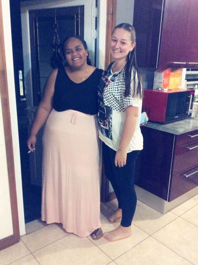 Young Women Smiling Friendship Metissage. Spanish Woman Frenchgirl Futunian Islandgirl Go Out ,enjoy Life ❤ Lili❤️Ido❤️