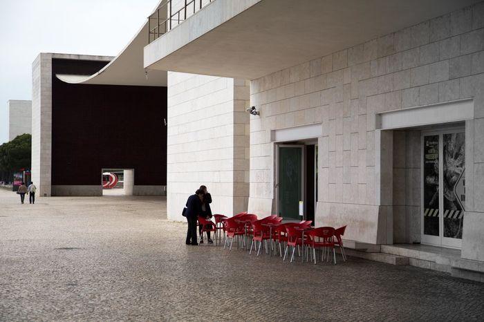 Alvaro Siza Vieira Architecture Chair Pabellon Pavillion Of Portugal Real People Roof Sidewalk Cafe The Architect - 2014 EyeEm Awards